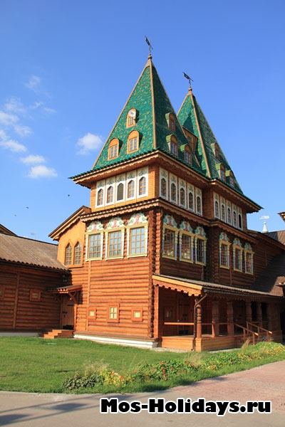 Одна из башен дворца Алексея Михайловича в Коломенском
