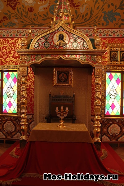 Царское ложе в Столовой палате дворца Алексея Михайловича