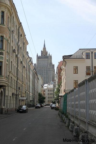 Вид на Министерство Иностранных дел, одну из Сталинских высоток