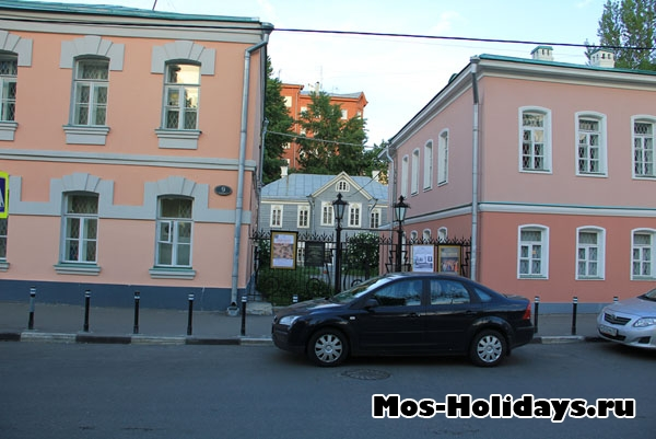 Дом-музей Островского - на пешеходной экскурсии по Москве, район Замоскворечье