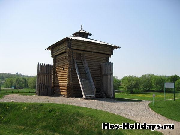 Башня Братского острога в усадьбе Коломенское