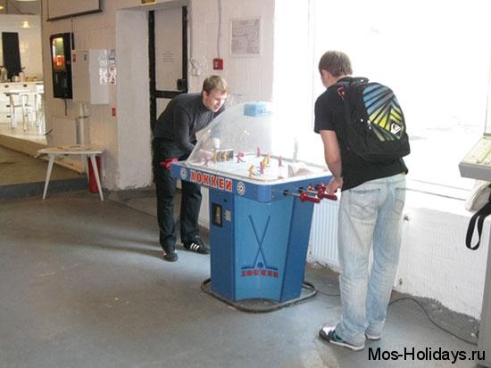 Настольный хоккей в музее советских игровых автоматов