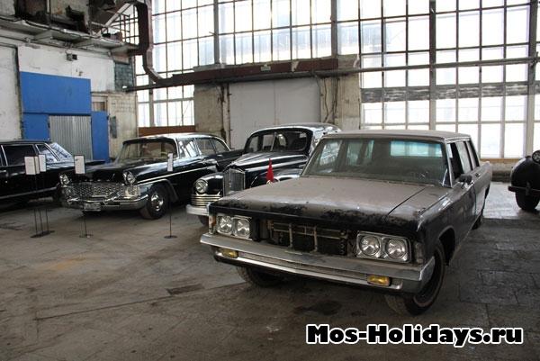 Автомобили из закрытых пока залов музея на Рогожском валу