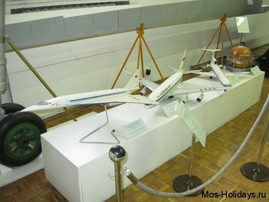 Макеты самолётов в Политехническом музее Москвы