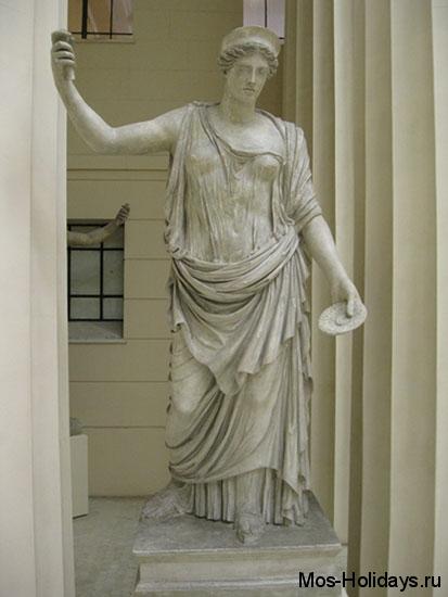 Статуя богини Деметры в Пушкинском музее
