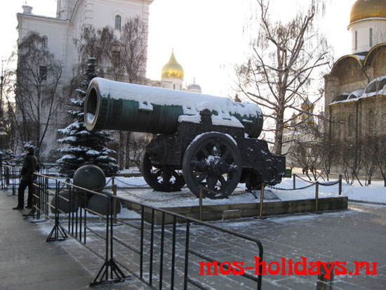 Царь пушка на Ивановской площади