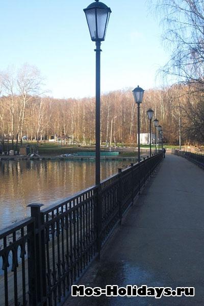 Возле Тропаревского пруда