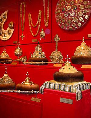 Царские головные уборы в Оружейной палате