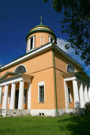 Церковь в Воздвиженском
