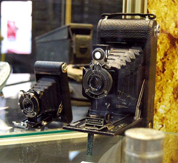 """Фотоаппарат Kodak на выставке """"Моторы войны"""""""