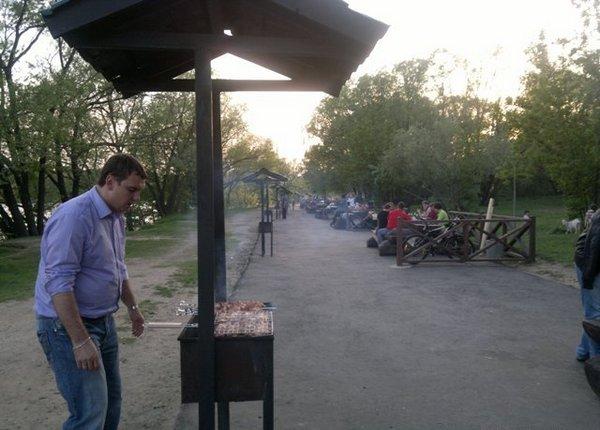 Площадка для жарки шашлыков в Серебряном бору