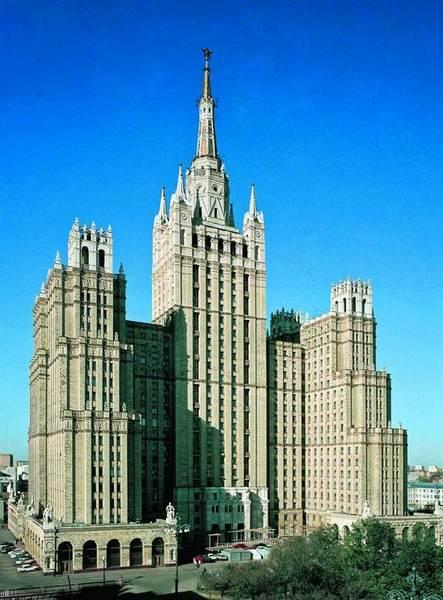 stalinskaya_vysotka_na_ploshadi_vosstaniya5