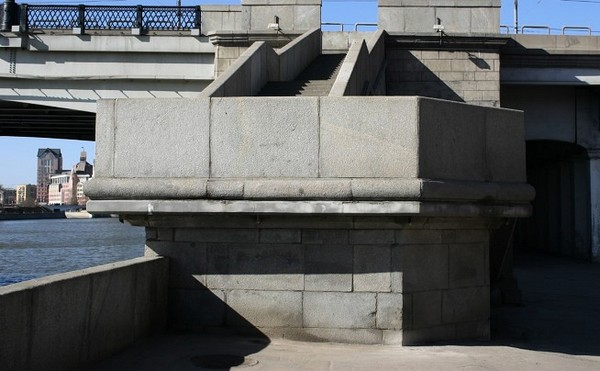 Новоспасский мост в Москве