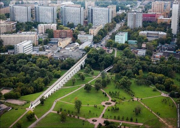 Ростокинский акведук в Москве