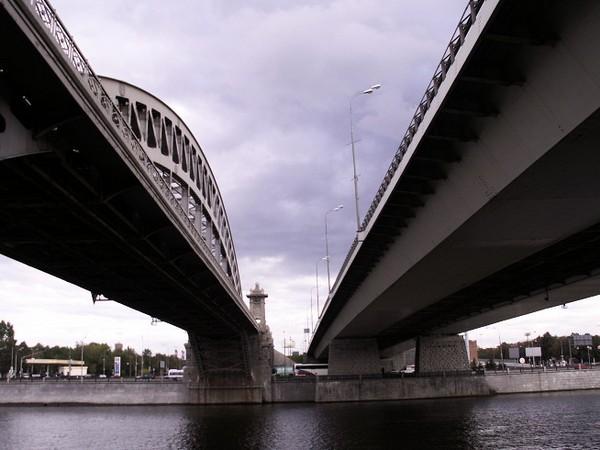 Лужнецкий мост в Москве