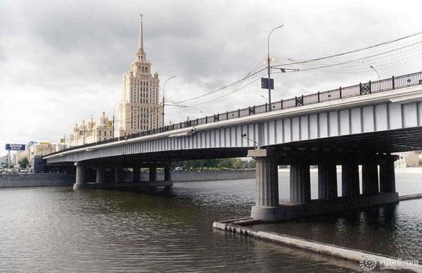 Новоарбатский мост в Москве