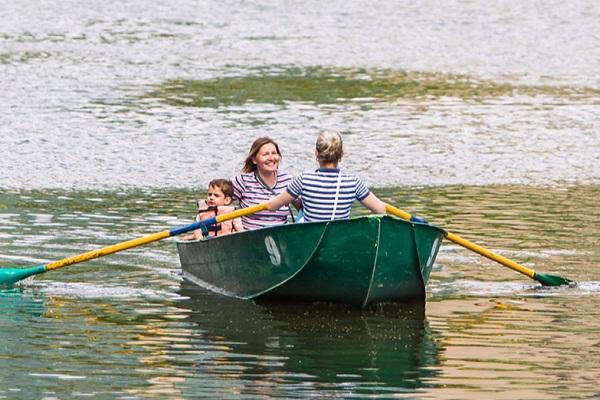 Прокат лодок в парке «Сокольники»