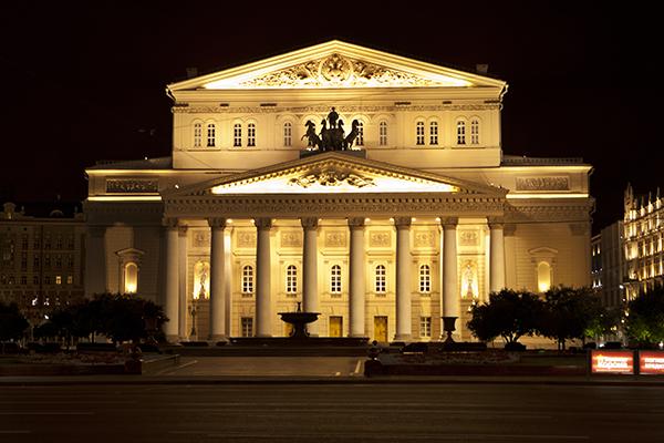 Bolshoy_teatr_nochyu_s_podsvetkoy
