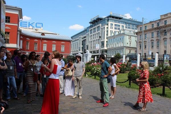 Бесплатные экскурсии по улицам Москвы в рамках фестиваля «Снова в школу»