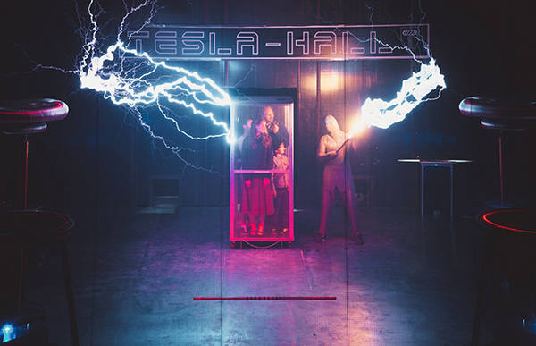 tesla-holl5