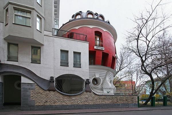 Дом-яйцо