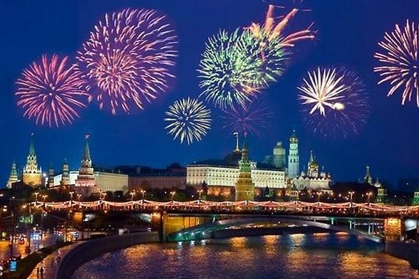 Салют Победы в парках Москвы