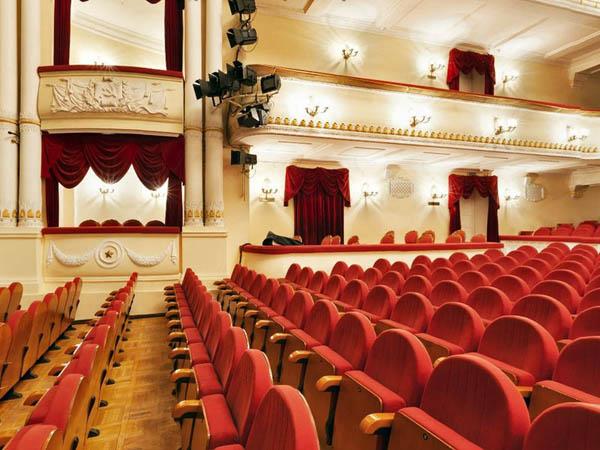 Театральная Москва. Узнать о театрах столицы и жизнях замечательных людей