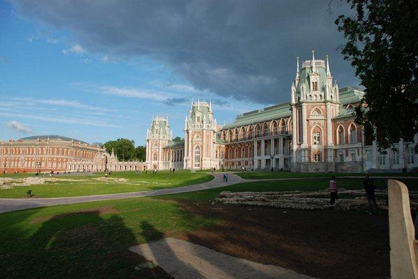 Пешеходная экскурсия «Легенды и были Царицыно» от компании «Твоя Москва»