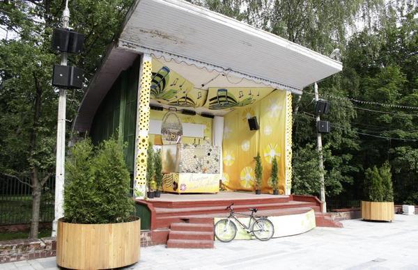 Веранда танцев в парке Сокольники
