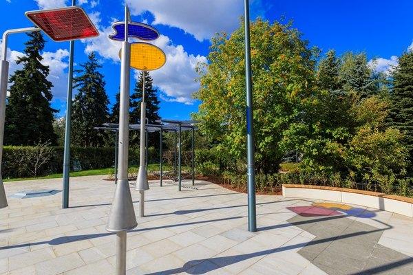 Новая детская игровая площадка «Салют» в Парке им. М. Горького