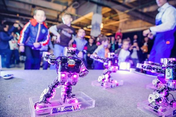 Интерактивная выставка роботов «Робоосень»