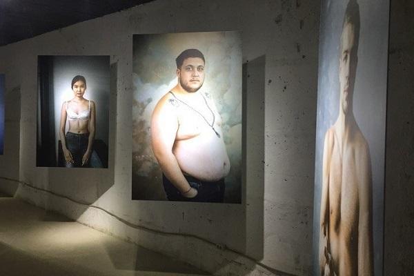 Фотовыставка «Социальный вывих»