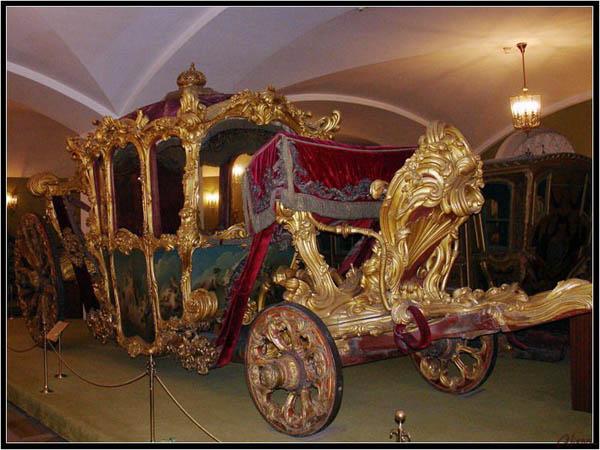 Экскурсия «Сокровища Кремля: Алмазный фонд и Оружейная палата
