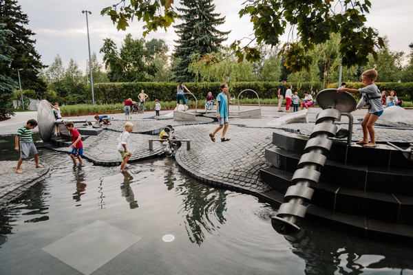 Детская площадка «Салют» в Парке Горького
