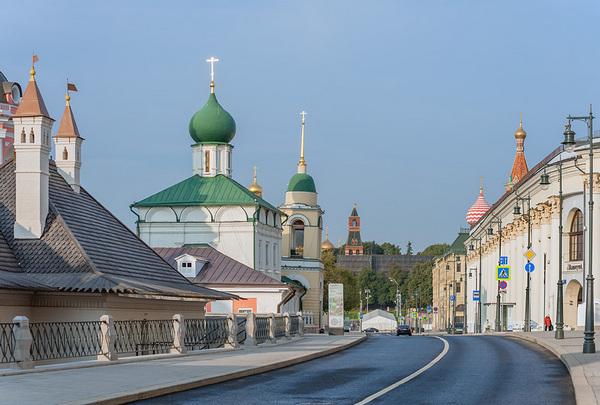 Бесплатная пешеходная экскурсия «Многоликая Варварка» от компании «Азбука Москвы»