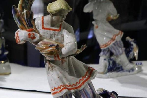 Выставка «Театр в советском фарфоре»