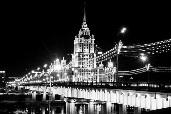 Автобусная экскурсия: «Огни большого города» — иллюминация Москвы от компании «Лауда»