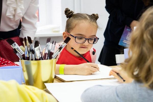 Интерактивный фестиваль современного искусства ArtLife Fest 2019 на территории Трехгорной мануфактуры