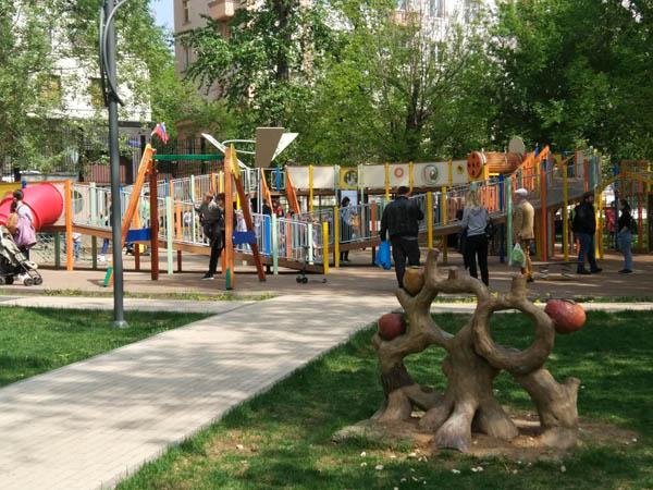 Детская площадка в Пресненском детском парке