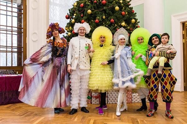 Главная ёлка ВДНХ: премьера детского спектакля, билеты на каток, шоурум российских дизайнеров