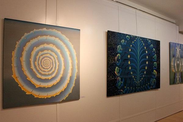 Выставка картин «Гармонии небесных сфер»