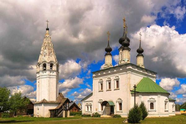 «Здесь тысячи событий и имён» — экскурсия в Суздаль