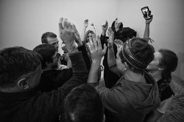 Фотовыставка «Легко ли быть молодым?»