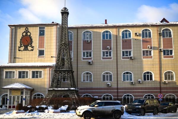 Эйфелева башня в Москве
