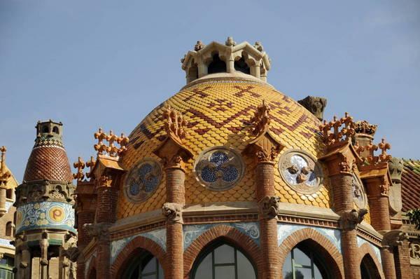 Онлайн-экскурсия «Эпоха модерна Барселоны — Гауди, Дали и не только»