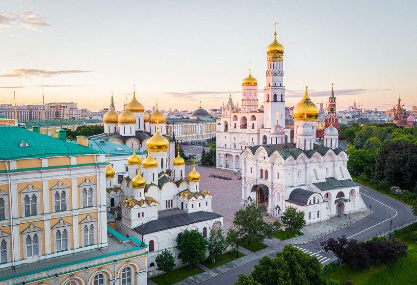 Соборная площадь Московского Кремля