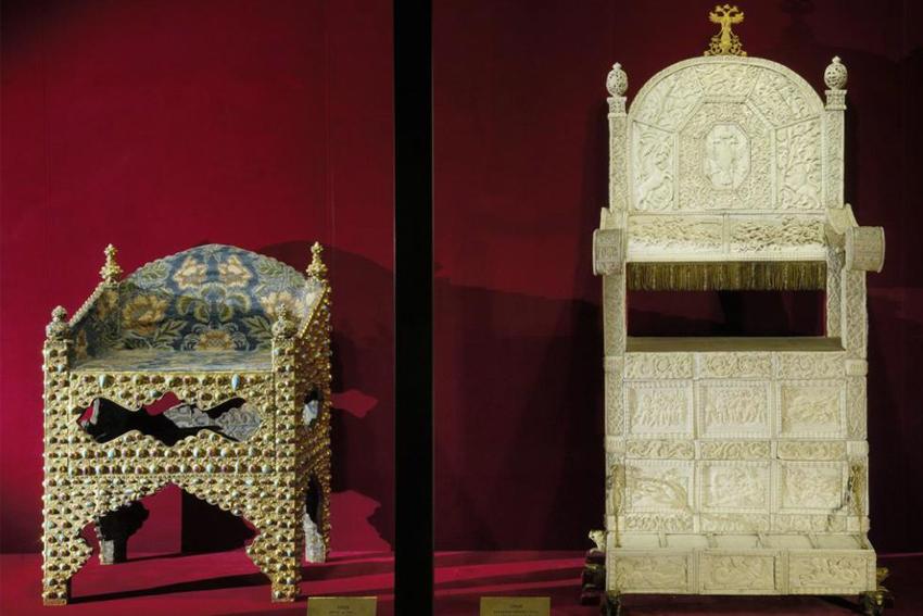 Экспозиция «Государственные регалии и предметы парадного церемониала XV–XIX веков» в Оружейной палате Кремля