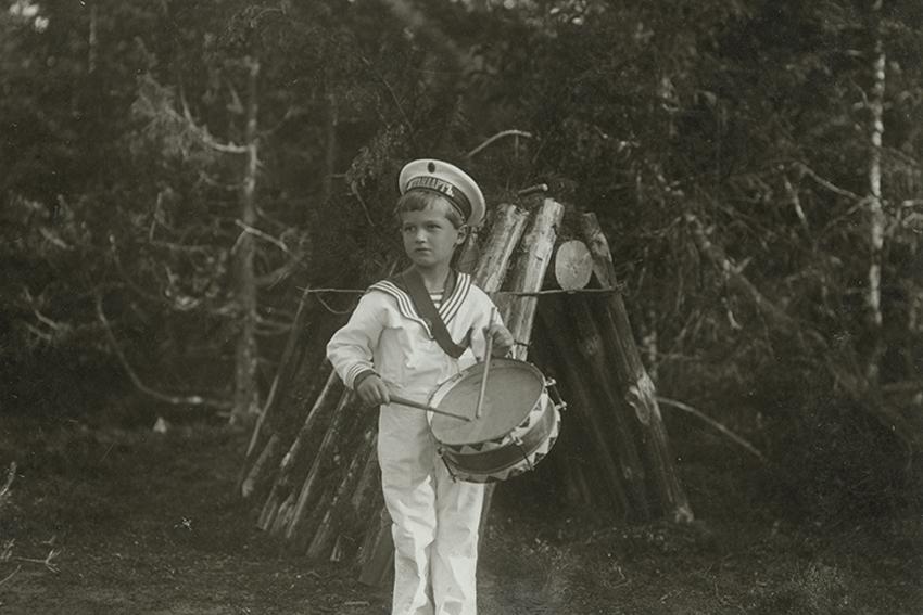 Фотовыставка «Частная жизнь семьи императора Николая II. Фотографии из личных альбомов»
