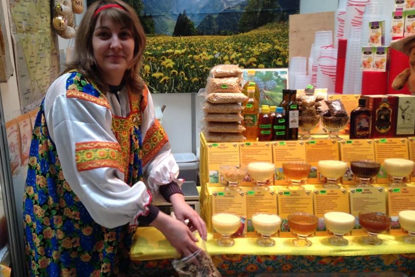 Ярмарка мёда «От Крыма до Владивостока» в Гостином дворе