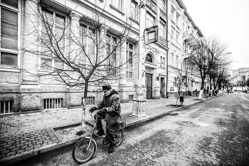 Выставка фотографий Александра Тарасенкова «Анклав»